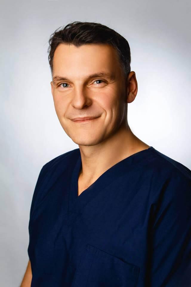 Paweł Lesiak, chirurg, proktolog, Wrocław